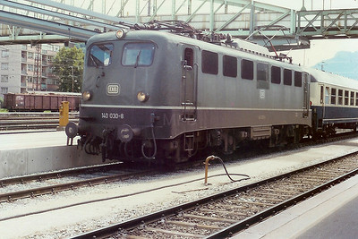 140 030 at Salzburg Hbf (Austria) on 21st June 1990