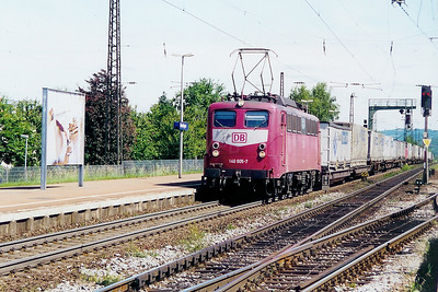 140 605 at Denzlingen  on 12th June 2002