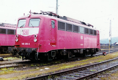 140 235 at Saarbrucken Depot on 24th November 2001
