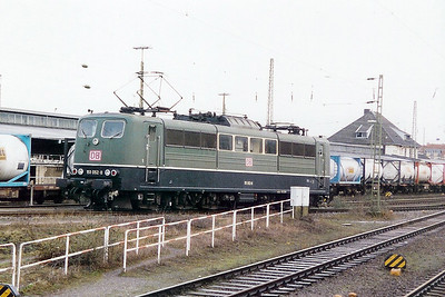 151 052 at Aachen West Yard on 18th February 2000