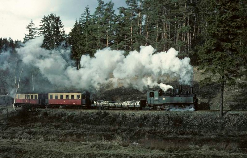 Deutsche Reichsbahn 99 5901, climbing to Harzgerode, Sat 12 February 1977.  Photo by Les Tindall.