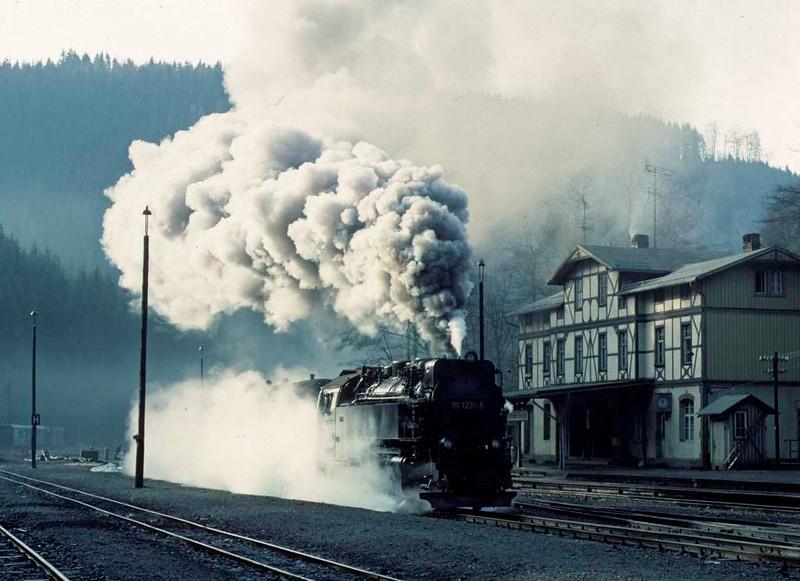 Deutsche Reichsbahn 99 7236, Eisfelder Talmuhle, Sat 12 February 1977 3.  Making a vigorous departure for Hasselfelde.  Photo by Les Tindall.