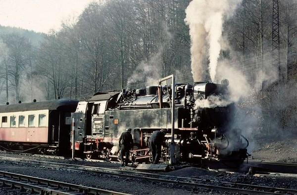 Deutsche Reichsbahn 99 7236, Eisfelder Talmuhle, Sat 12 February 1977 2.  Photo by Les Tindall.