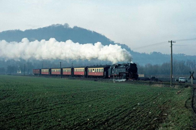 Deutsche Reichsbahn 99 7236, leaving Nordhausen, Sat 12 February 1977.  Here are five shots of the 1006 Nordhausen - Hasselfelde.  Photo by Les Tindall.