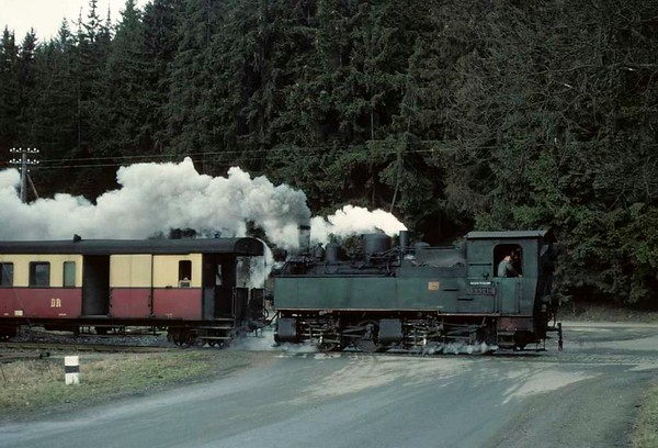 Deutsche Reichsbahn 99 5901, approaching Alexisbad, Sat 12 February 1977.  Returning from Strassberg.  Photo by Les Tindall.