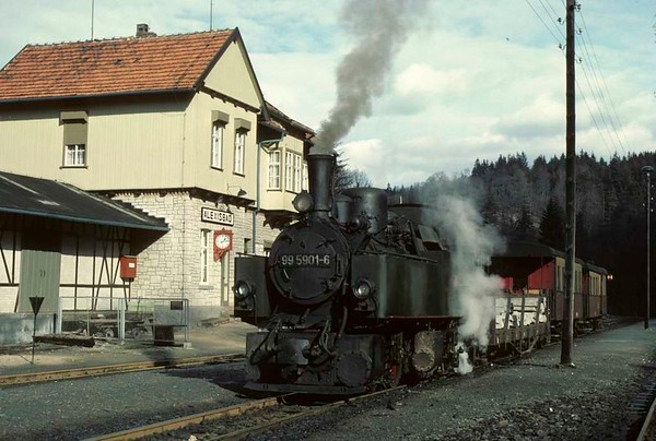 Deutsche Reichsbahn 99 5901, Alexisbad, Sat 12 February 1977 1.  Waiting with a mixed train up the 2km branch to Harzgerode.  Photo by Les Tindall.