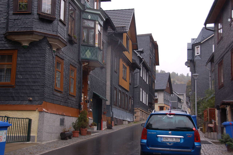 Slate-roofed and -walled houses in Lauscha