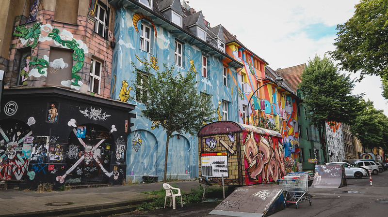 Looking for things to do in Düsseldorf that are off the beaten path? How about the street art along Kiefernstrasse.
