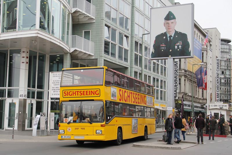 Stadtrundfahrtbüro Berlin Tommy Erbe BBK6654 Friedrichstrasse Berlin Apr 16