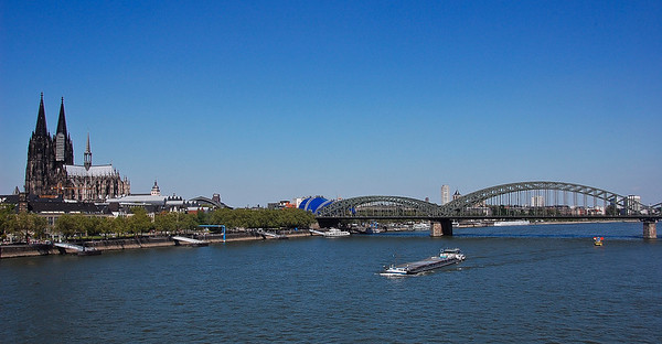 cologne-germany-bridge-cathedral