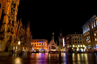 Munich's Marienplatz (City Center)