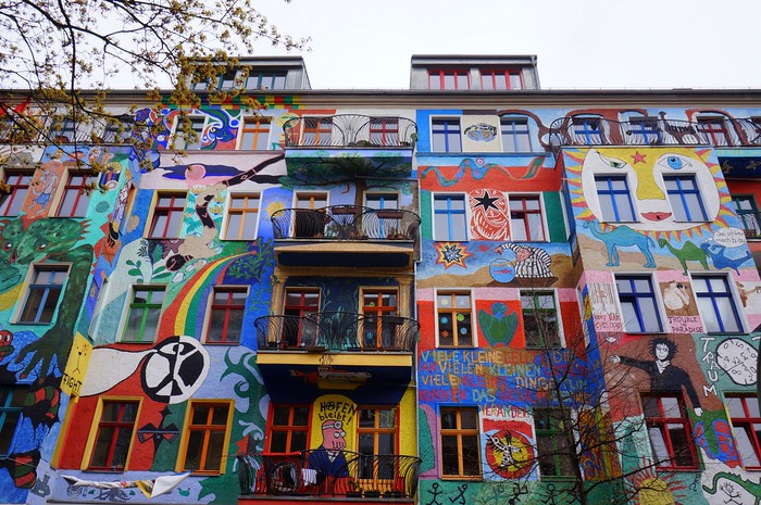 Kreutzigerstrasse, the most colourful residential street in Berlin