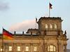 Reichstag Exterior 02_DSC2461 (2007-04-05)