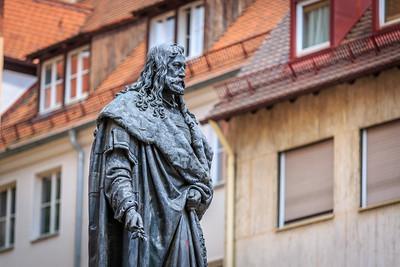 Albrecht Dürer, Albrecht-Dürer-Platz, Skulptur
