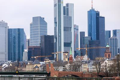 Altstadt und Wolkenkratzer