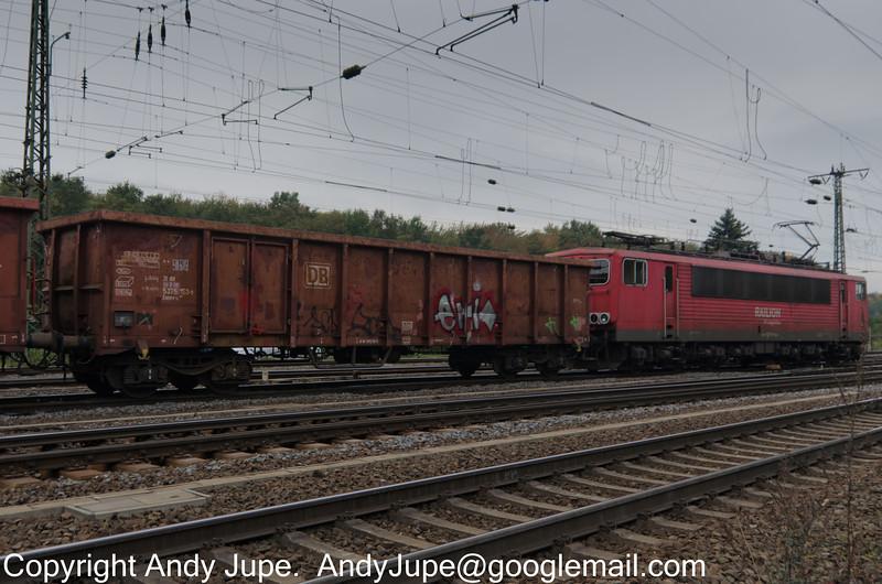 31805375153-9_a_Eanos-x_un566_KölnGremburg_Germany_12102013
