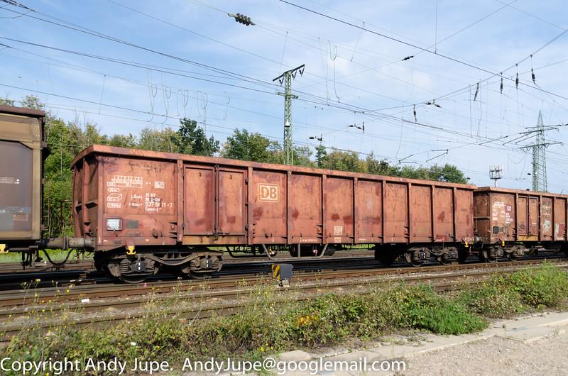 31805375111-7_a_Eanos-x_ntn00444_Köln_Gremberg_Germany_05092014