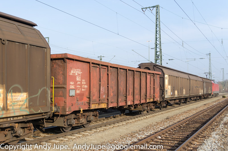 31805376050-6_a_Eanos-x_un596_München_Trudering_Germany_07032014