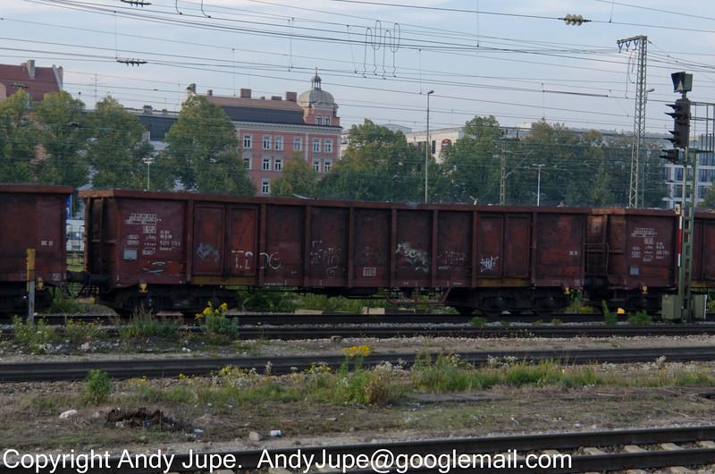 31805376123-1_a_Eanos-x_un582_MünchenOst_Germany_07102013