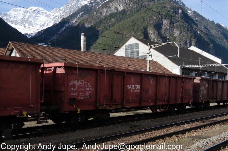 31805368098-5_a_Eaos-x_47025_Erstfeld_Switzerland_31012013