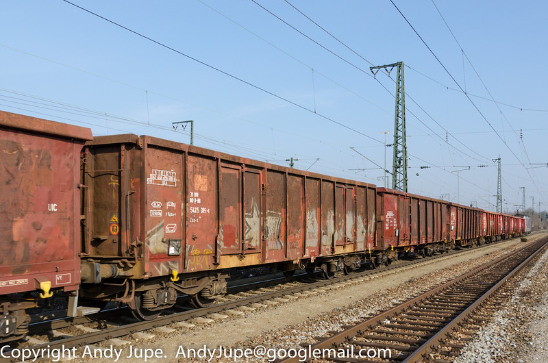 31805425305-5_a_Eas-x_un594_München_Trudering_Germany_07032014