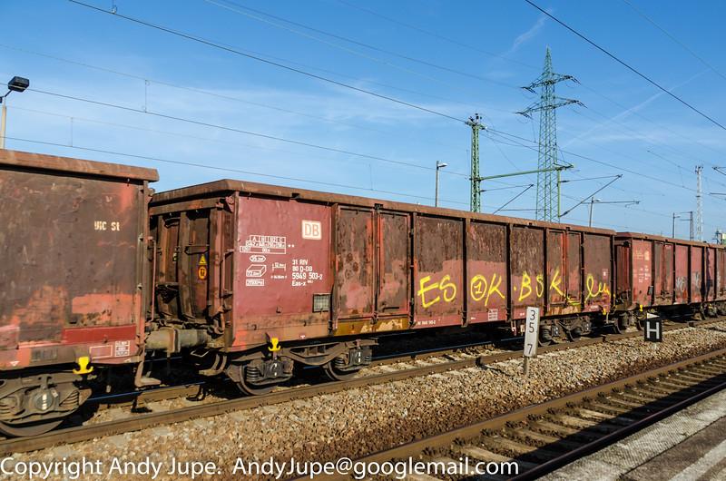 31805949503-2_a_Eas-x_ntn00786_Berlin_Schönefeld_Germany_28102014