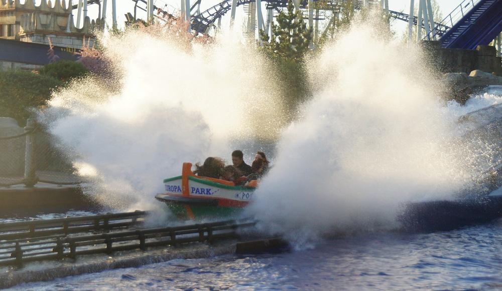 Some serious splashing going on!