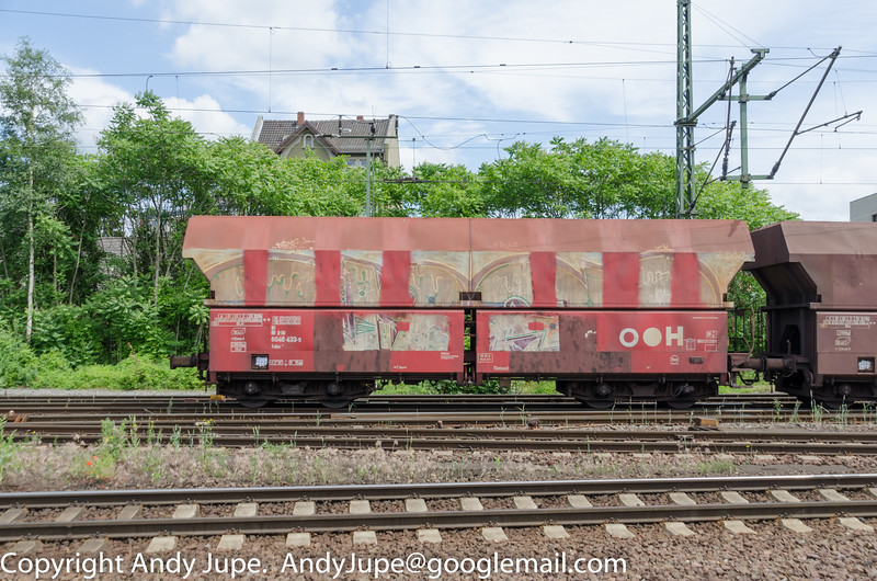 German registered Falns 81 80 6646 433-5 brings up the rear whilst passing through Lehrte (D) on the 12th of June 2014