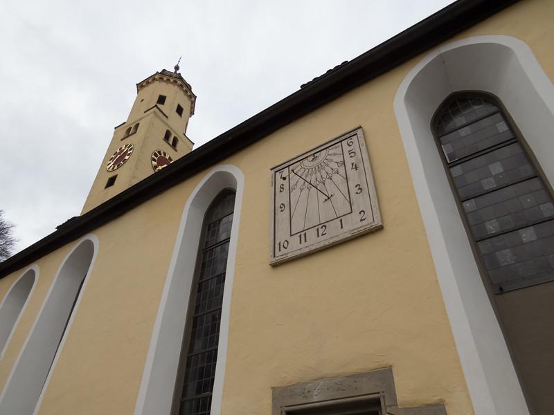 Vertical sundial