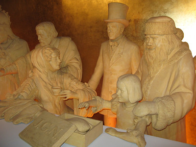 Marzipan people at Niedegger Marzipan Museum.