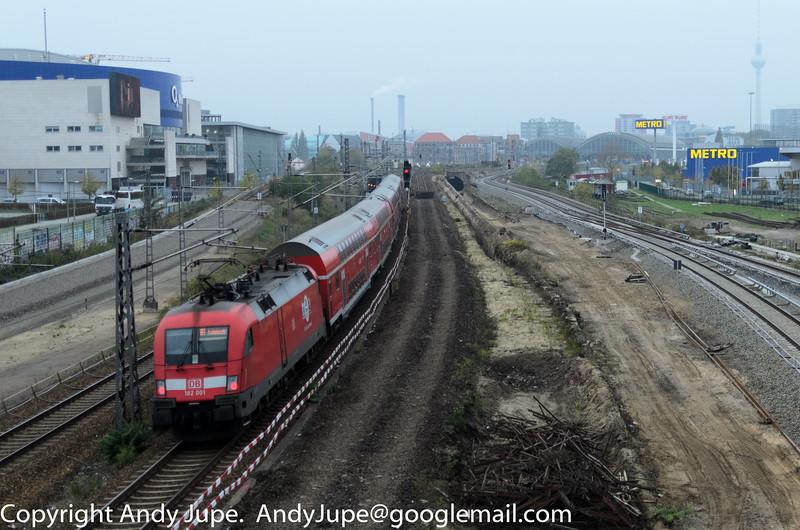 182001-8_b_Warschauer_Straße_Berlin_Germany_25102014