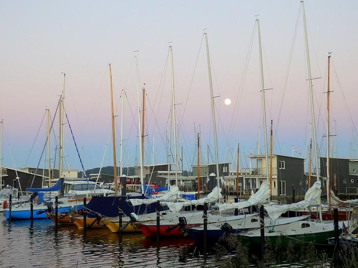 The sailboats parked at im-jaich wasseiferienwelt Rügen