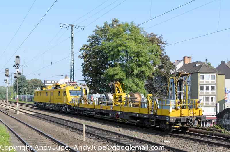 80809790051-4_a_Ol-Bauwagen_ntn00321_Köln_Süd_Germany_04092014