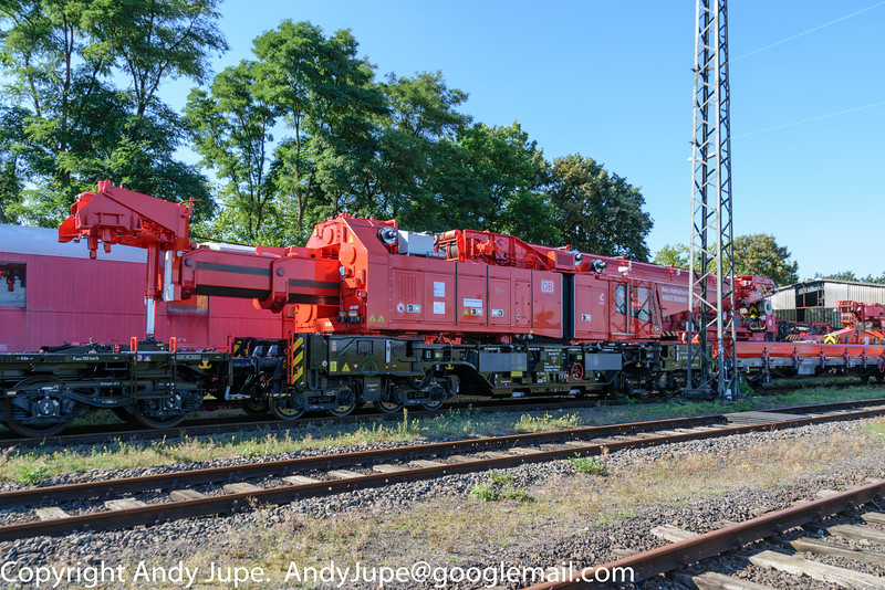 Emergency Crane Kirow Multitasker 1200 , number 99 80 9471 003-0 (723 003) sits at Wanna-Eickel (D) on the 23rd of August 2016