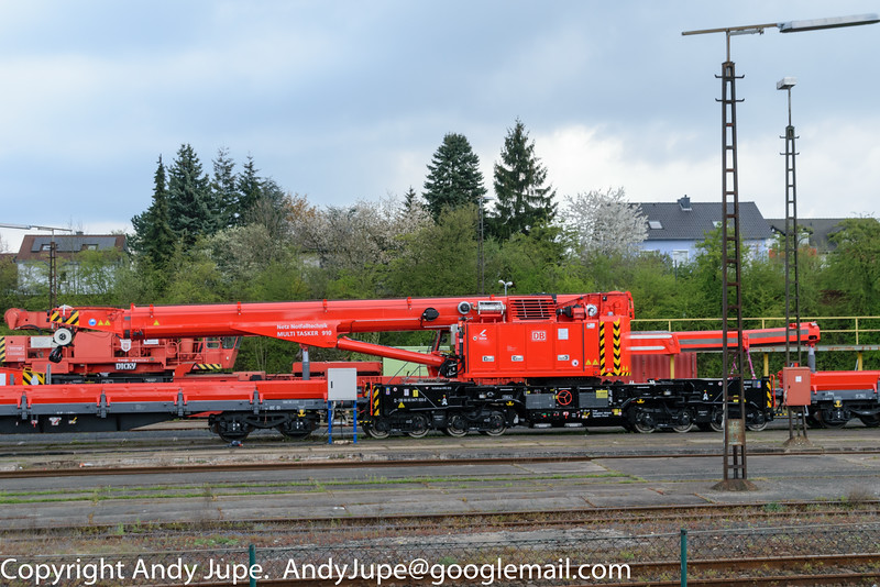 Emergency Crane Kirow Multitasker 910, number 99 80 9471 005-5 sits at Fulda (D) on the 24th of April 2016