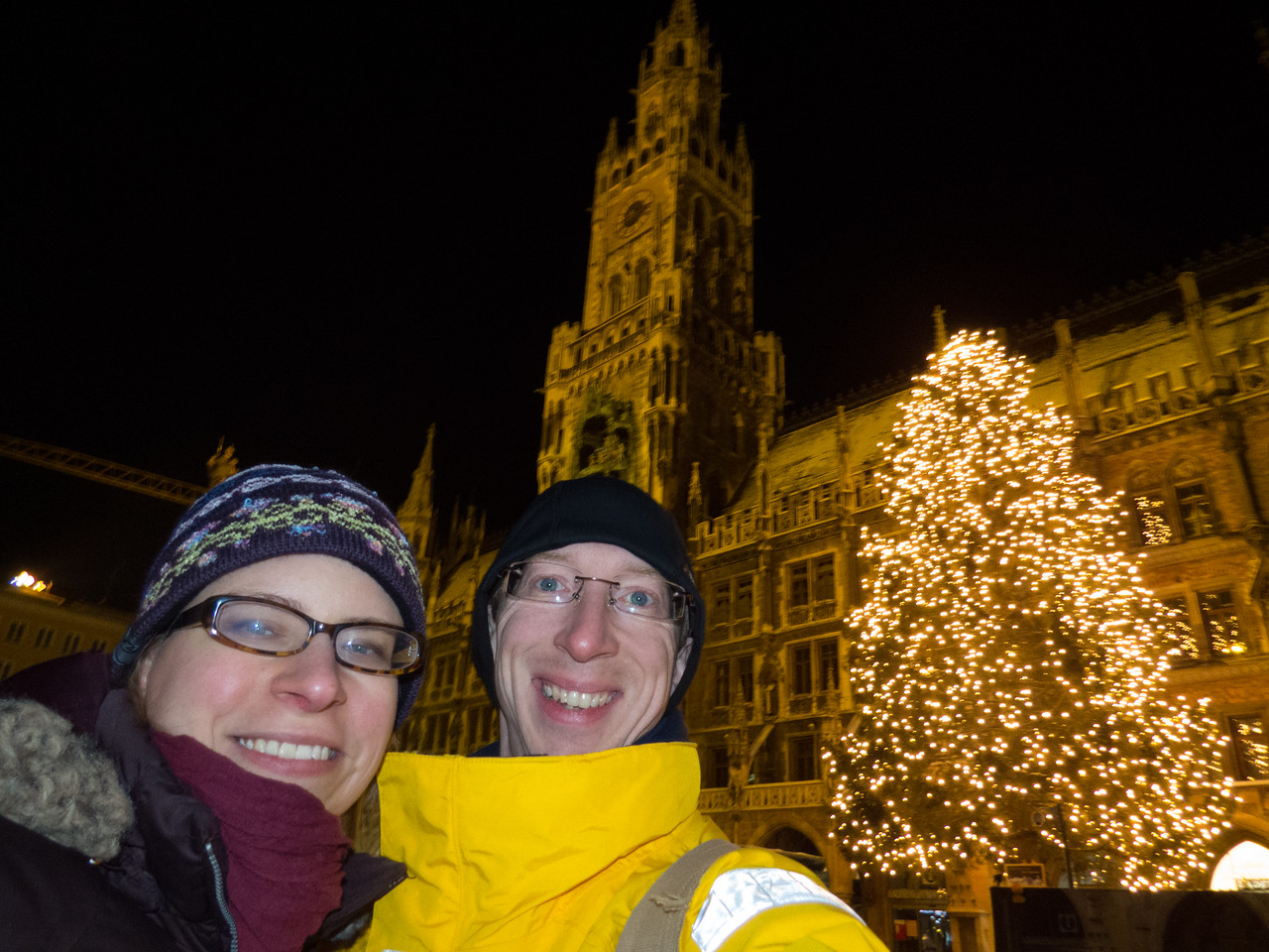 Outside the Neues Rathaus