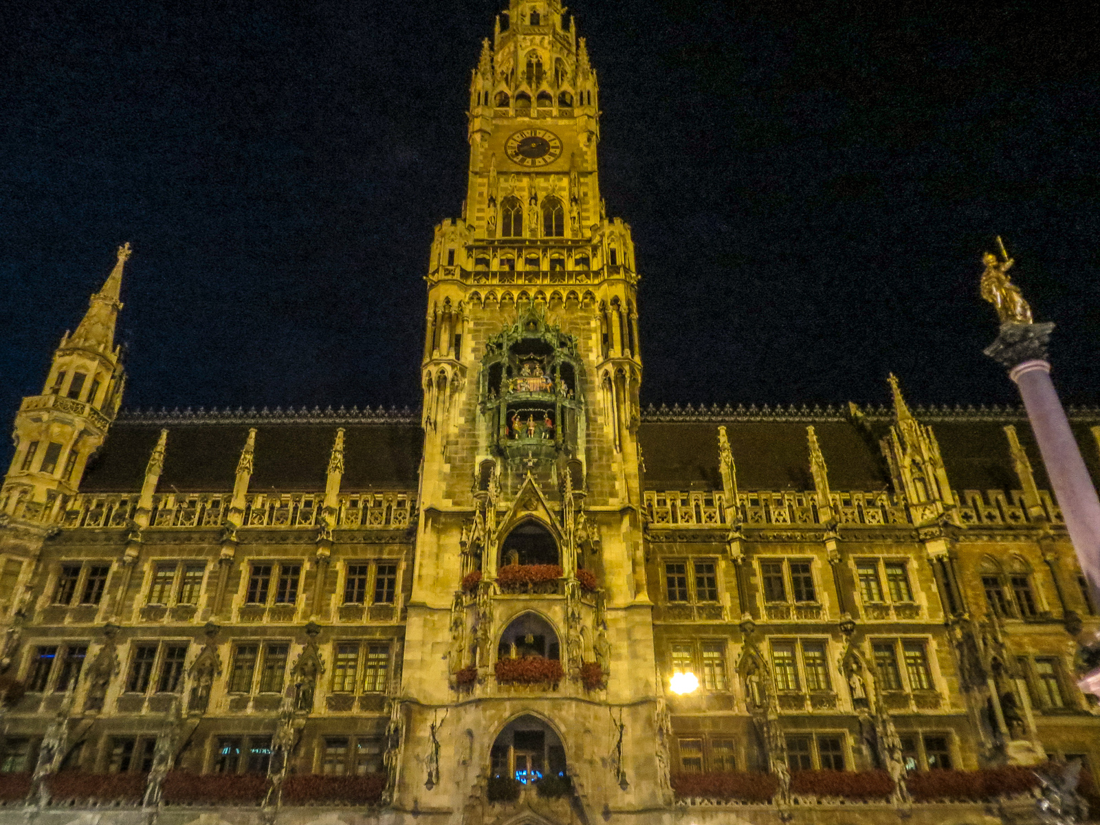 see the town hall at night while enjoying munich in two days