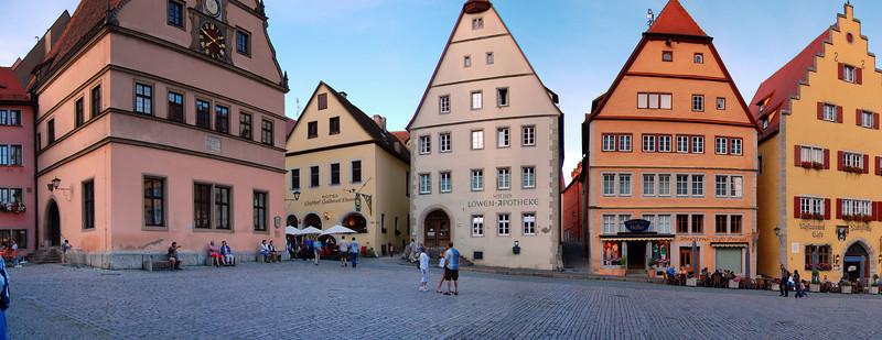 Rothenburg town square (expandable)