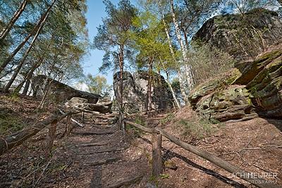Saechsische-Schweiz-Wandern-Laasensteine_8447_6_5_4_3_HDR_20160420_182514