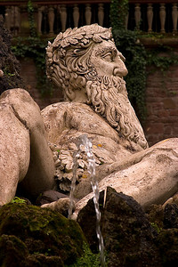 Statue/Fountain at Heidelberg Castle