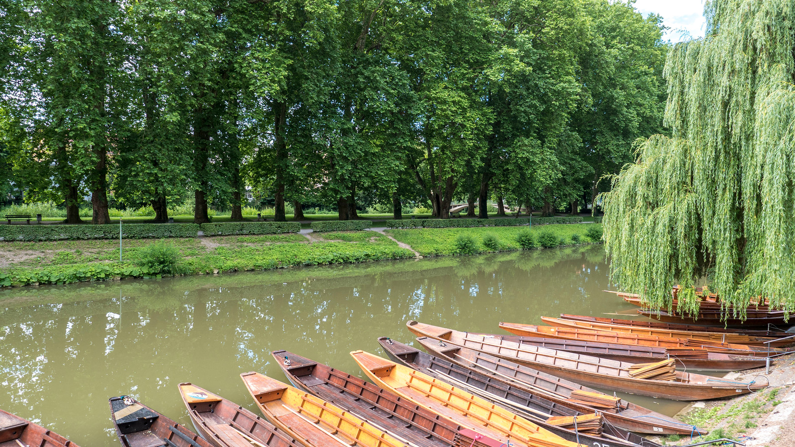 Punting boats in Tubingen. Things to do in Tubingen Germany.
