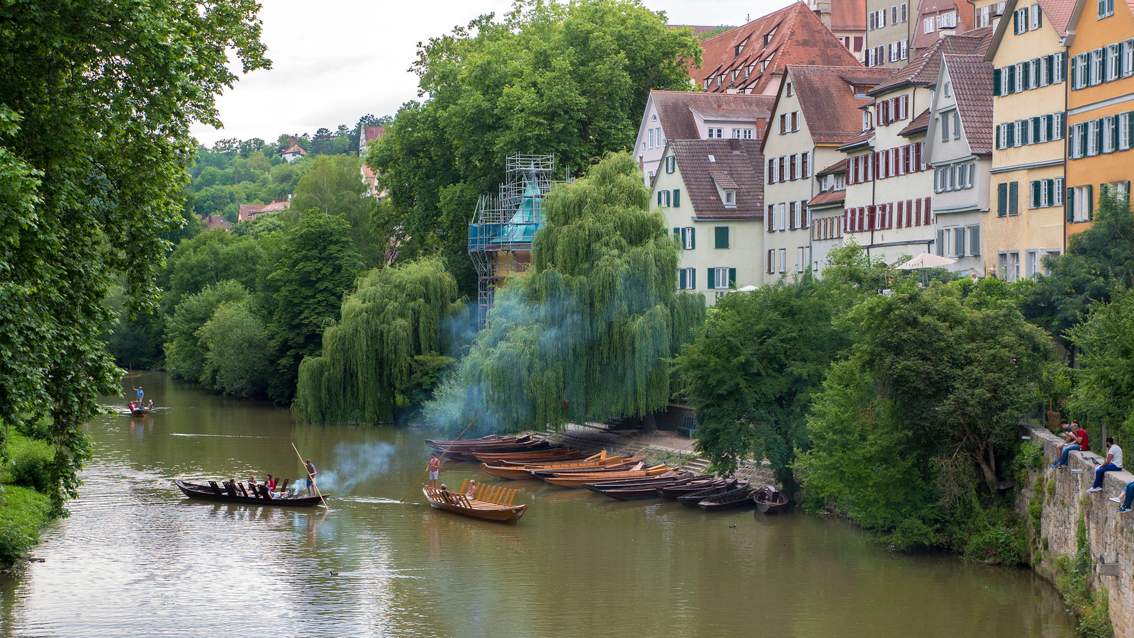 Punting on the Neckar in Tubingen. Things to do in Tubingen Germany.