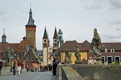 Alte Mainbrucke, the oldest bridge over the Main River 1473-1543