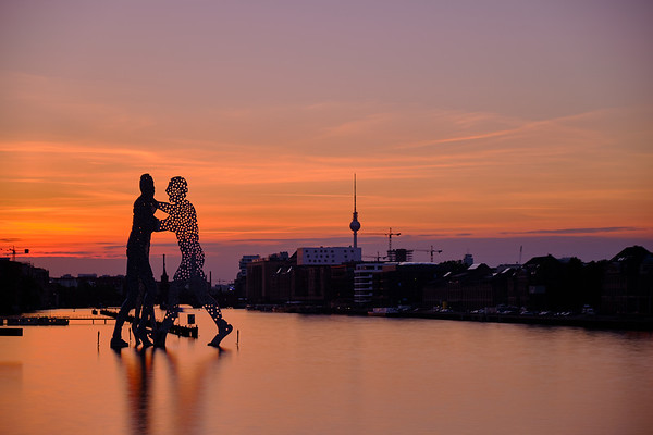 Berlin Molecule Man.