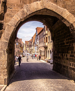 Kemmerer___A Rothenburg Gate