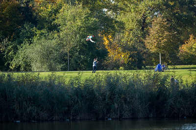 Rising a kite near the Dutzendteich, Nuremberg