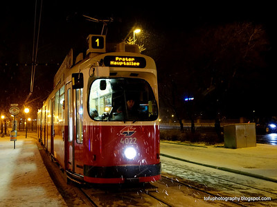 Walking around Vienna with a compact camera pt 1 - January 2014