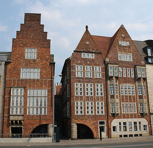 Böttcherstraße Robinson-Crusoe-Haus and Haus Atlantis .