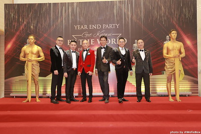 Year-End-Party-Get-Known-by-The-World-De-The-gioi-biet-ten-photobooth-chup-anh-in-hinh-lay-ngay-WefieBox-Photobooth-Vietnam-0888011166-016