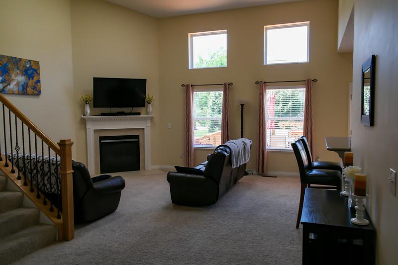 living_room (13).jpg